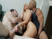 Video porno cuckold - Superdotato negro scopa moglie tettona